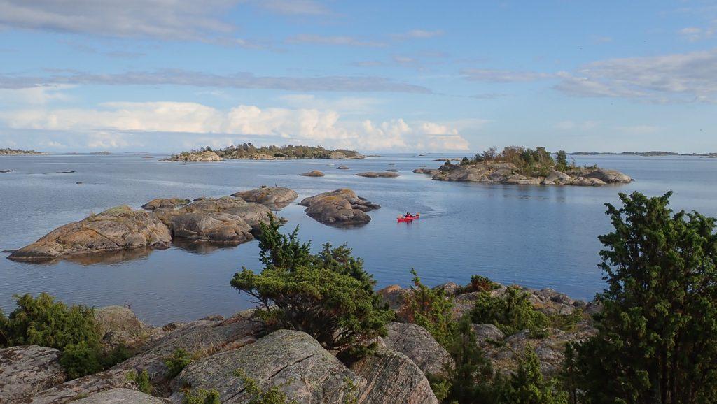 Les chapelets d'îles se font plus denses (secteur d'Alnholm)